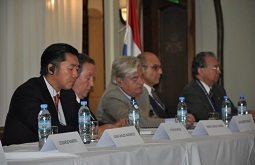 Dr. Hyun Jin Moon, H.E. Cerezo, H.E. La Calle, Mr. Ciaia, Dr. Altamirano, Media Conference Paraguay