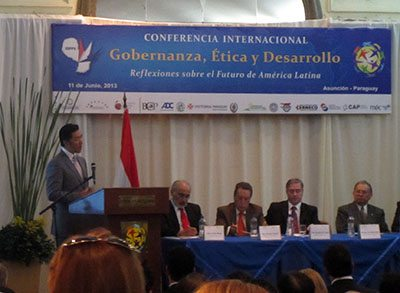 Global Peace Foundation Chairman Hyun Jin Preston Moon addresses a conference on Governance, Ethics, and Development in Asunción.