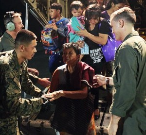 US_marines_Typhoon_Haiyan_relief