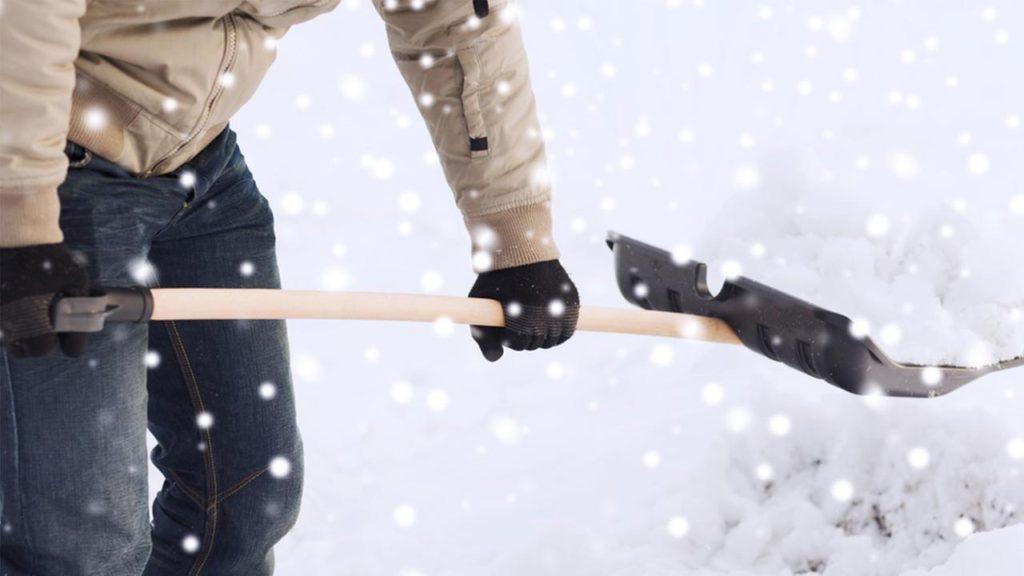Christmas-snow-shovel
