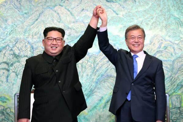 Moon Jae-in and Kim Jong Un, Panmunjom Declaration at the Peace House, Paju, South Korea